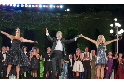 """Hello Broadway""  <br /><tt>Източник: Опера Варна</tt>"