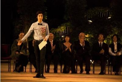 Награда на балетен конкурс Варна 2010 <br /><tt>Източник: Р. Вълчанова</tt>