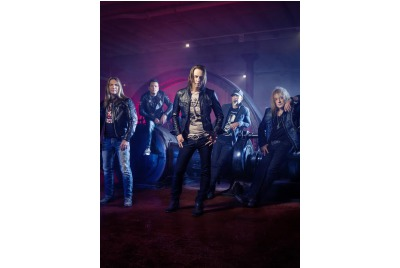 Gotthard <br /><tt>Източник: KAVARNA ROCK 2014</tt>