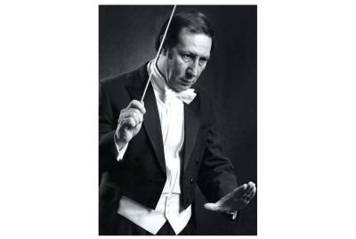 Бенджамин Ашкенази - диригент, композитор <br /><tt>Източник: www.why42.info</tt>