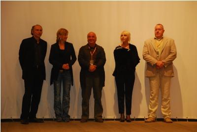 """жури на фестивала """"Златна роза"""" 2010 <br /><tt>Източник: Р. Вълчанова</tt>"""